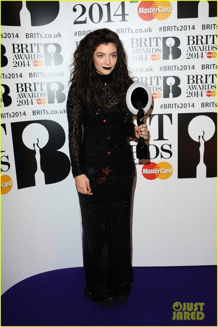 2014 Brit Awards Lorde Performs amp Wins at BRIT Awards 2014 Video Photo 3056449