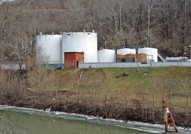 2014 Elk River chemical spill Owners of Chemical Firm Charged in Elk River Spill in West Virginia