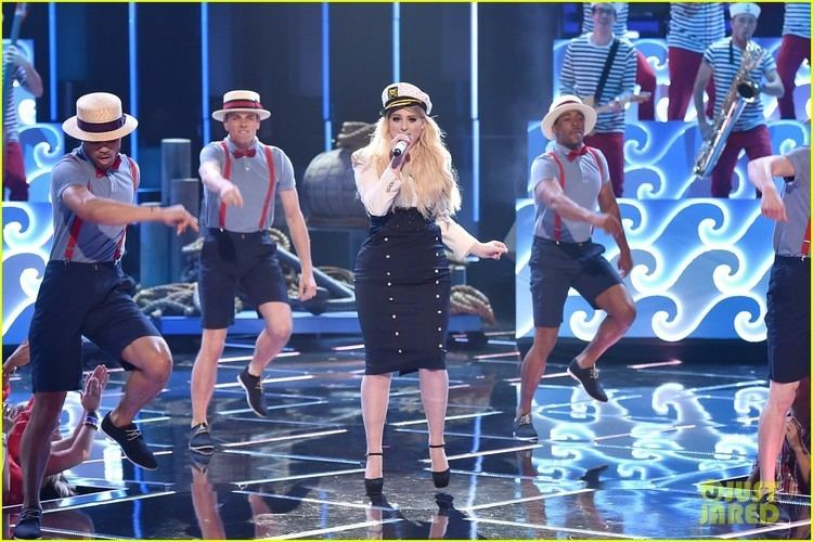 2015 iHeartRadio Music Awards Meghan Trainor Sails Away for iHeart Performance Video Photo