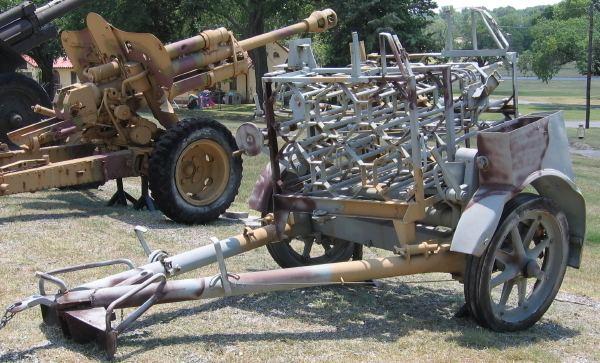 30 cm Raketenwerfer 56