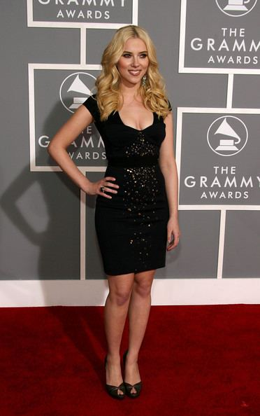 49th Annual Grammy Awards Scarlett Johansson Pictures 49th Annual Grammy Awards Arrivals