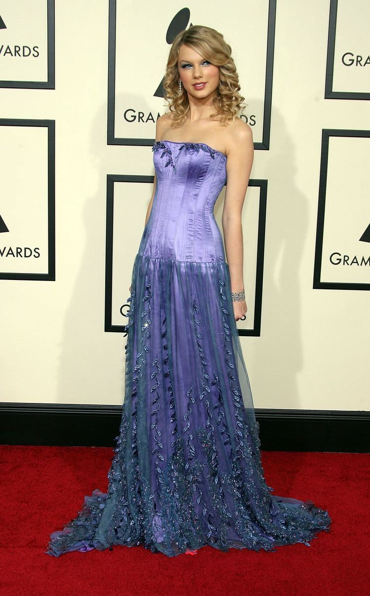 50th Annual Grammy Awards Taylor Swift 50th Annual Grammy Awards Arrival Photo 10