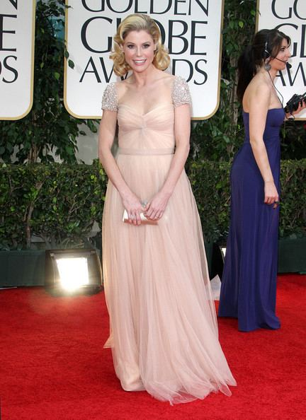 69th Golden Globe Awards Julie Bowen Pictures 69th Annual Golden Globe Awards 2012 Red