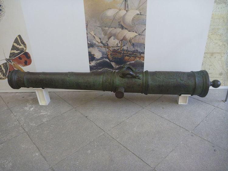 8-pounder long gun