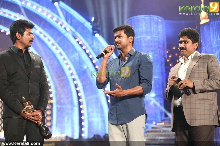 8th Vijay Awards Vijay at 8th vijay awards 2014 photos 00217 Kerala9com