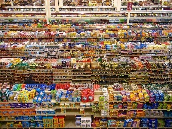 99 Cent II Diptychon Why is Andreas Gursky39s 3999 Cent II Diptychon39 considered such a