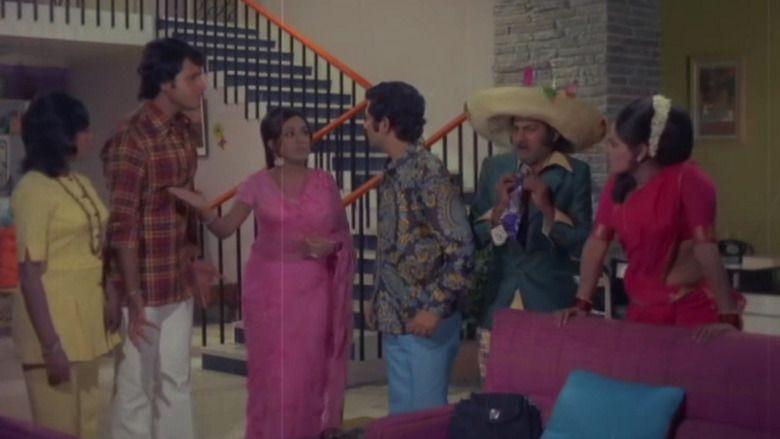 Aaj Ki Taaza Khabar movie scenes