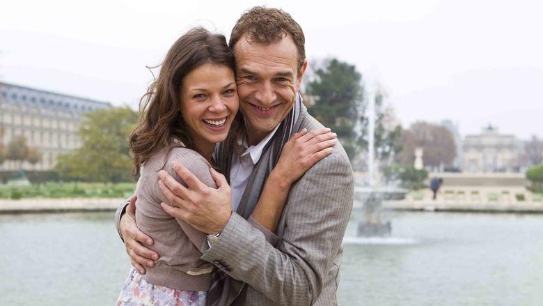 Adieu Paris movie scenes