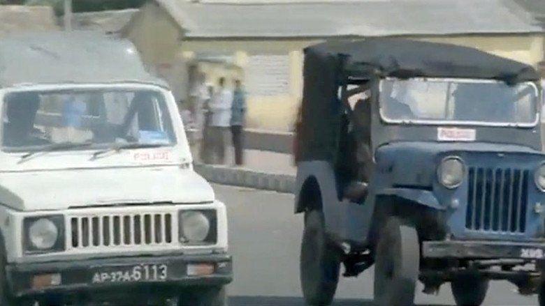 Alluda Majaka movie scenes