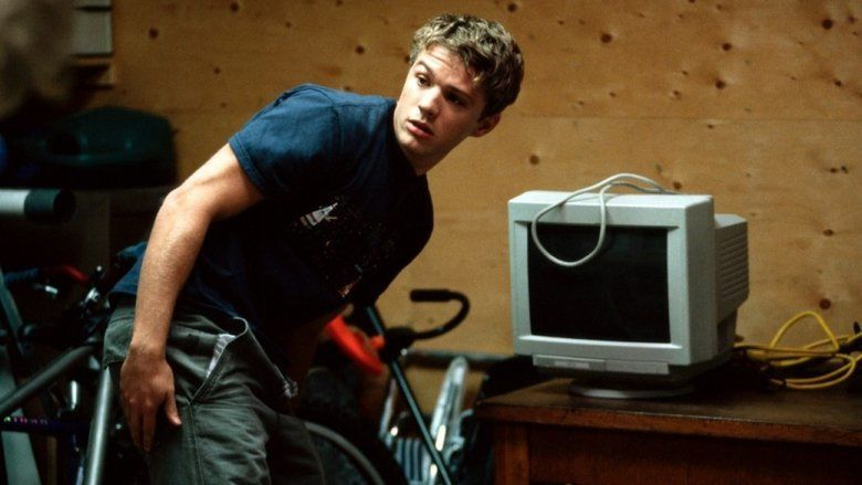 Antitrust (film) movie scenes