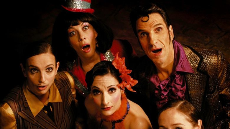 Cabaret Paradis movie scenes