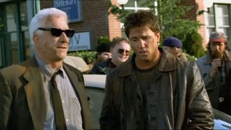 Camouflage (2001 film) movie scenes