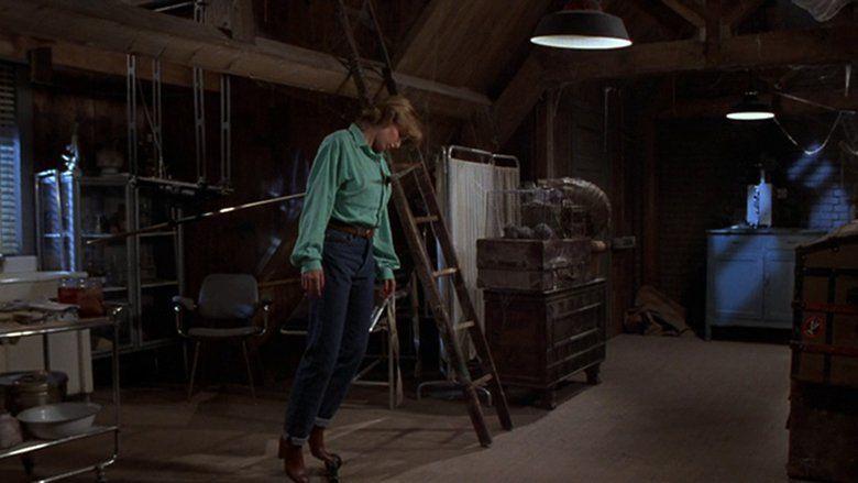 Crawlspace (1986 film) movie scenes