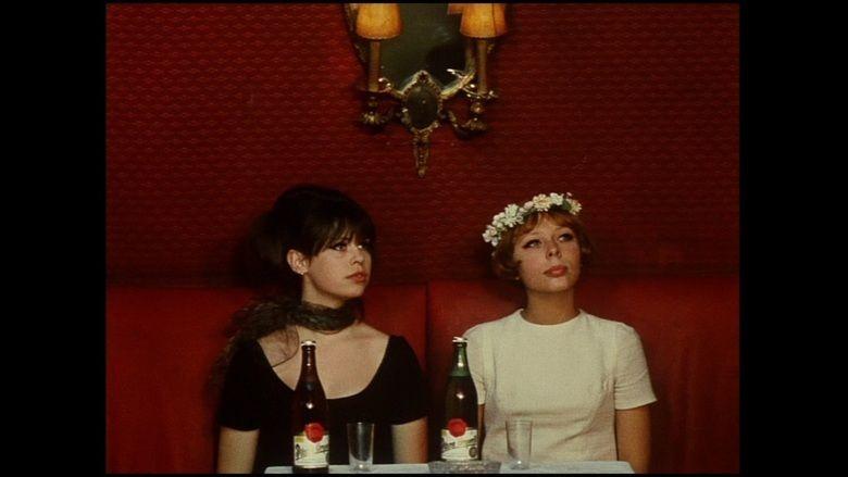 Daisies (film) movie scenes