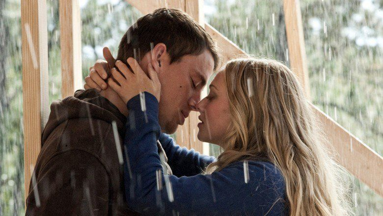 Dear John (2010 film) movie scenes