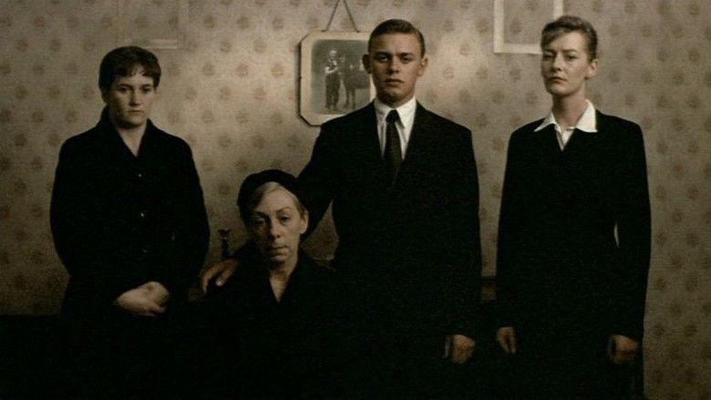 Distant Voices, Still Lives movie scenes