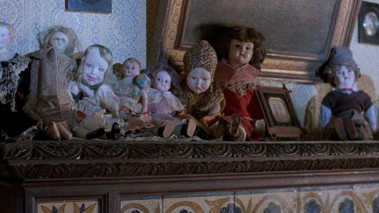 Dolls (1987 film) movie scenes