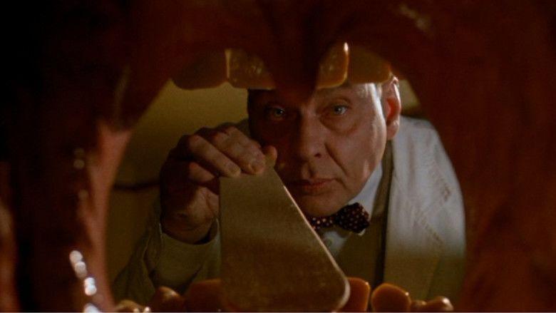 Dr Giggles movie scenes