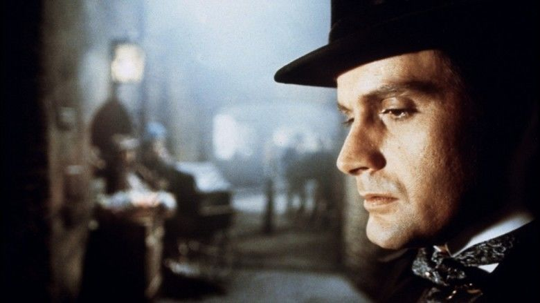 Dr Jekyll and Sister Hyde movie scenes