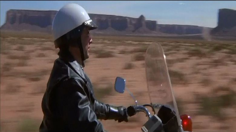 Electra Glide in Blue movie scenes