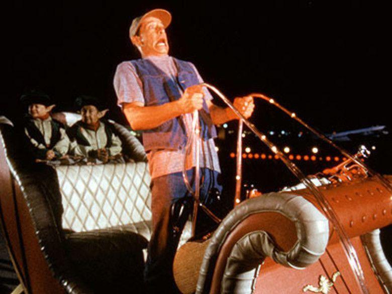 Ernest Saves Christmas movie scenes