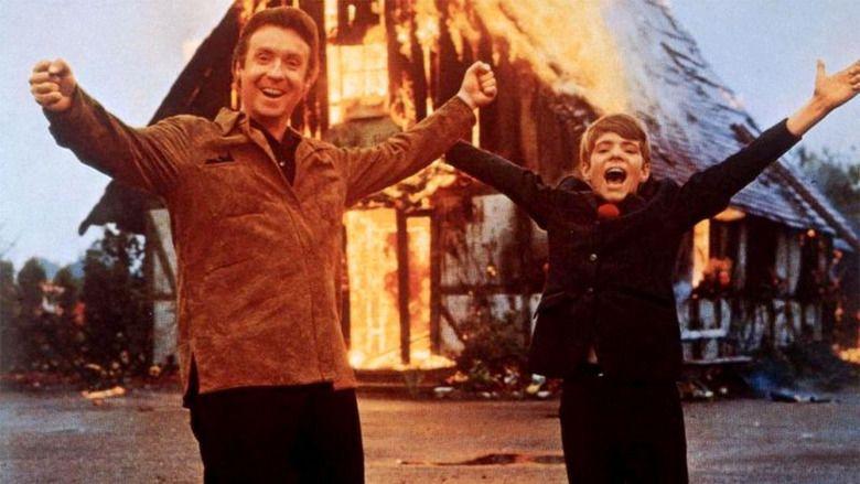 Hurrah, the School Is Burning movie scenes