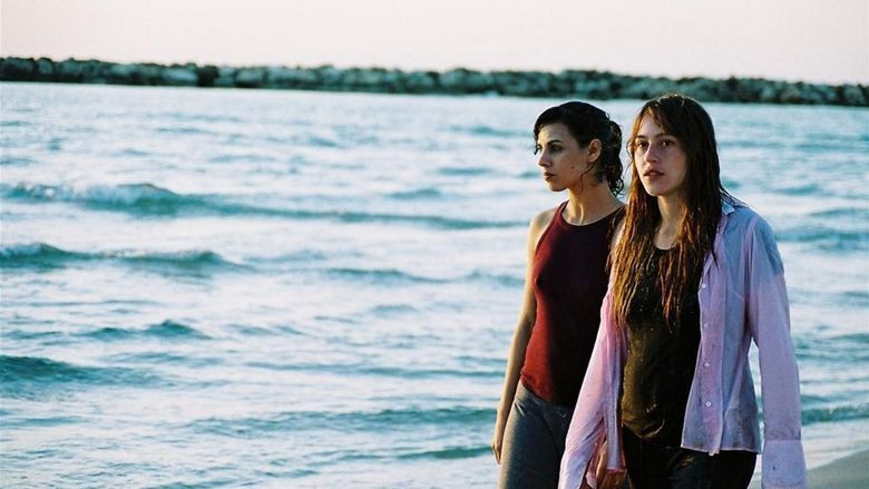 Jellyfish (film) movie scenes