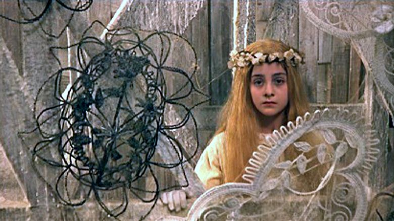 Juliet of the Spirits movie scenes