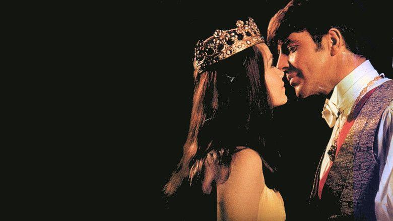 King of Hearts (1966 film) movie scenes