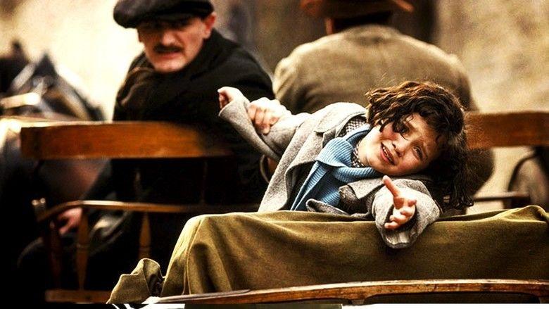 La Vie en rose (film) movie scenes