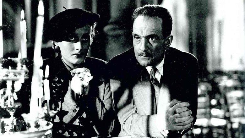 Le Corbeau movie scenes