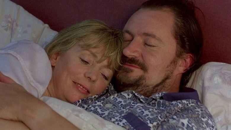 Life Is Sweet (film) movie scenes