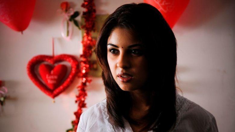 Mayakkam Enna movie scenes