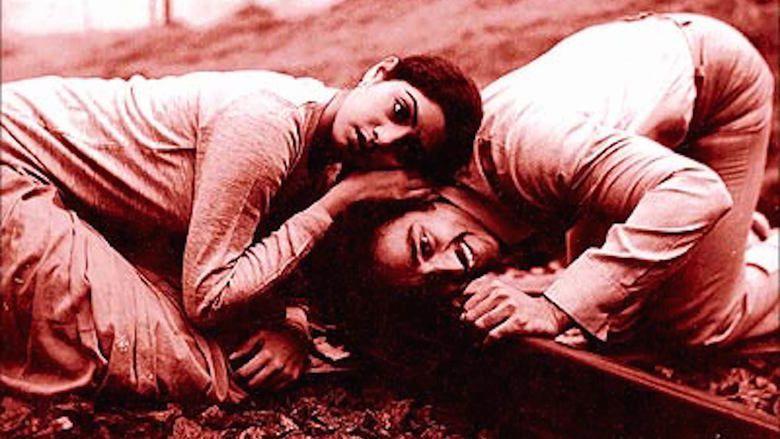 Moondram Pirai movie scenes