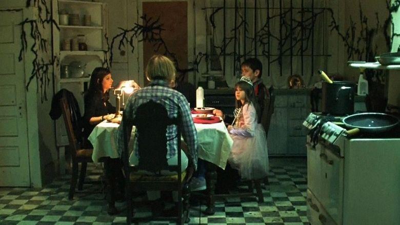 Mortuary (2005 film) movie scenes