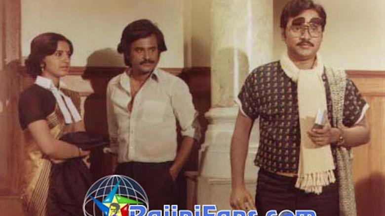 Naan Sigappu Manithan (1985 film) movie scenes