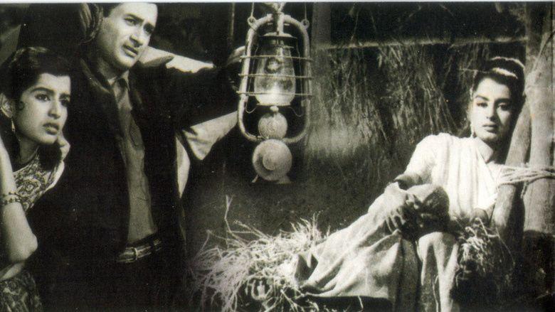 Nau Do Gyarah movie scenes