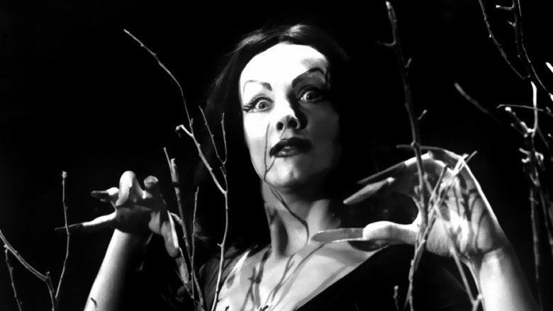 Plan 9 from Outer Space movie scenes