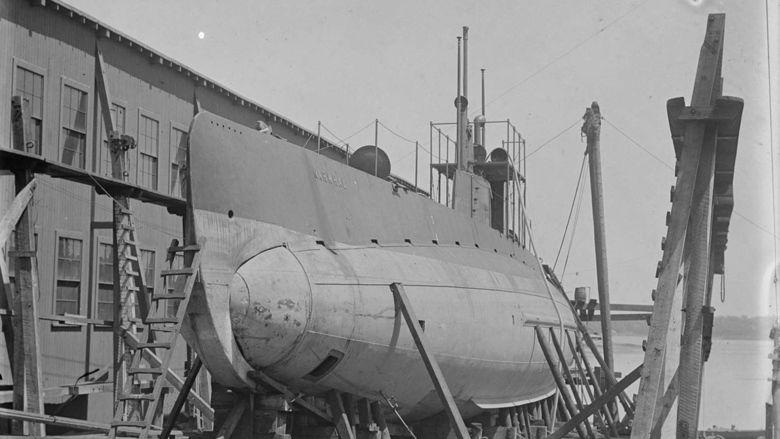 Submarine D 1 movie scenes