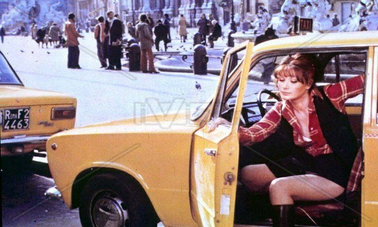 Taxi Girl (film) movie scenes