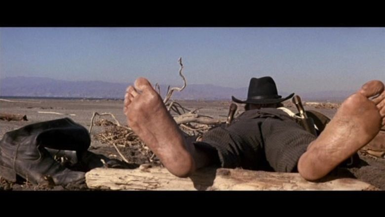 Ten Thousand Dollars for a Massacre movie scenes