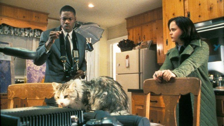 That Darn Cat (1997 film) movie scenes