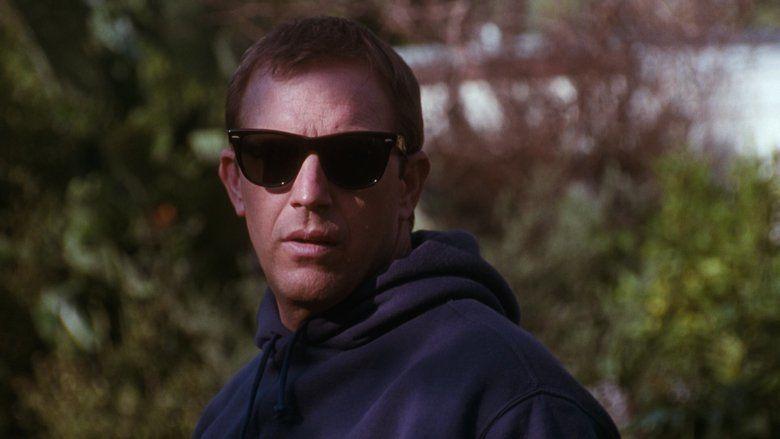 The Bodyguard (1992 film) movie scenes