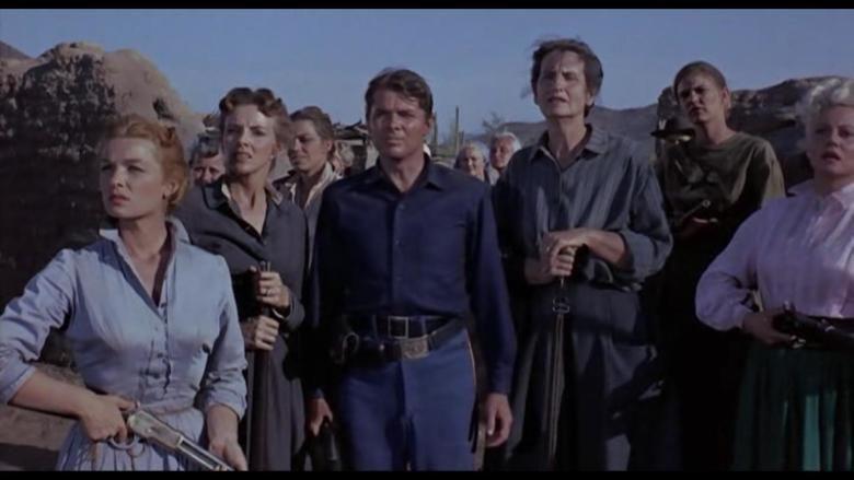 The Guns of Fort Petticoat movie scenes
