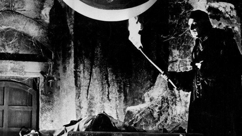 The Pit and the Pendulum (1961 film) movie scenes