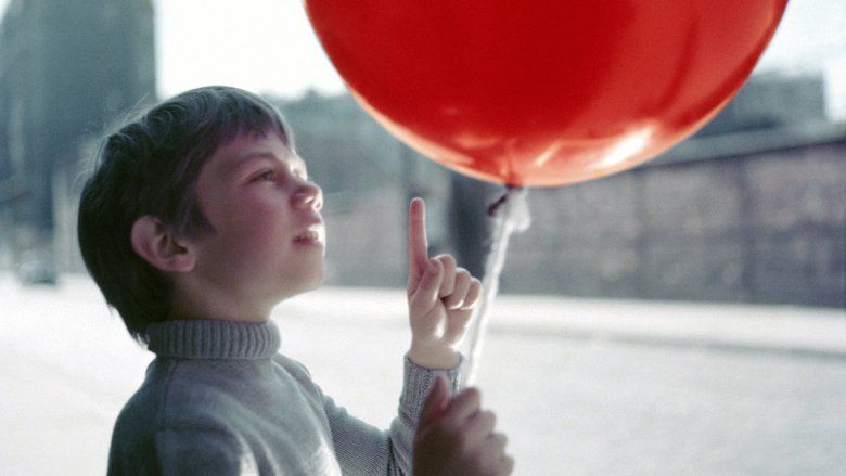 The Red Balloon movie scenes