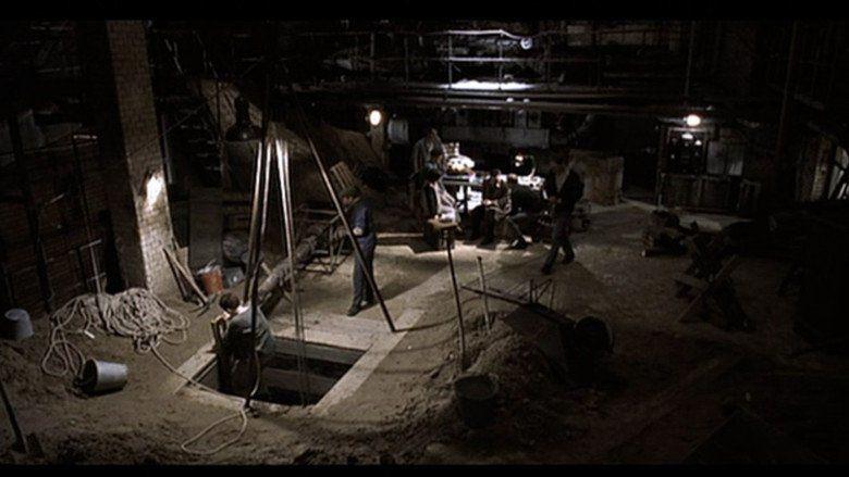 The Tunnel (2001 film) movie scenes