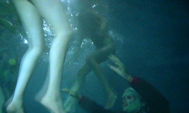 Zombie Lake movie scenes