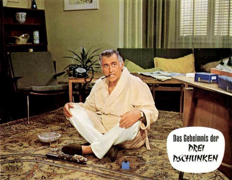 A 009 missione Hong Kong movie scenes German Lobby Card from Das Geheimnis Der Drei Dschunken Code Name Alpha 1965