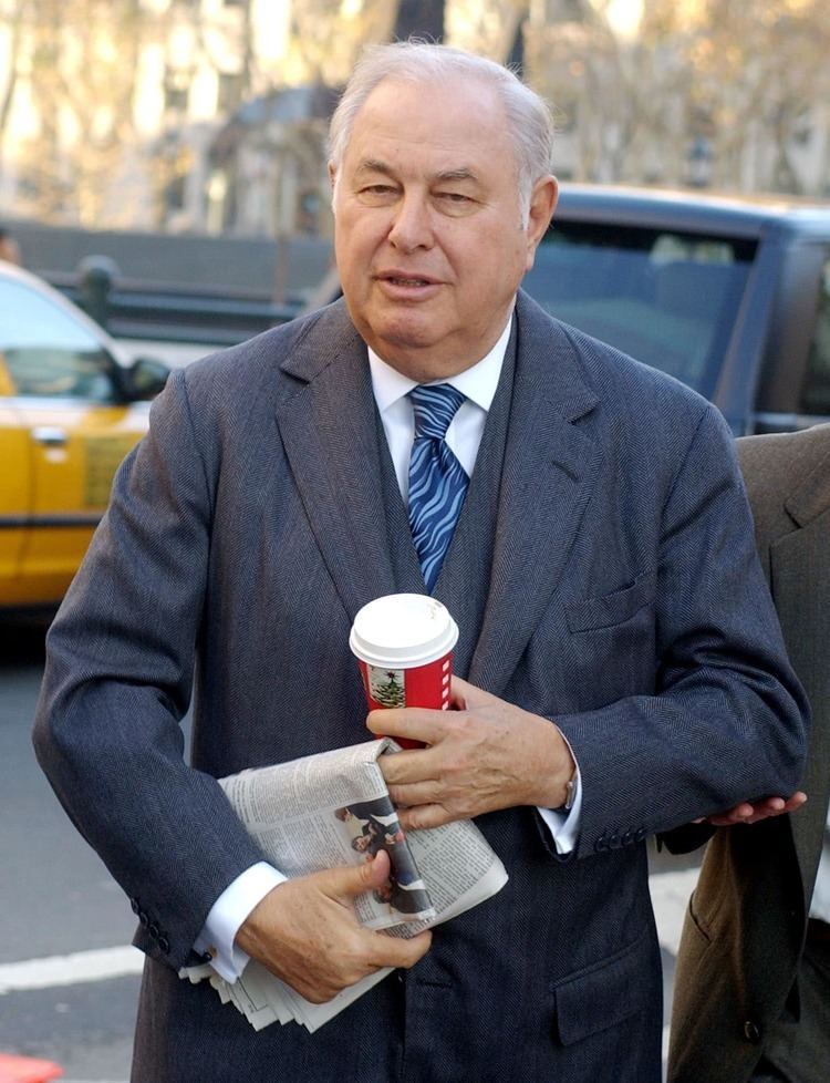 A. Alfred Taubman A Alfred Taubman billionaire convicted of price fixing